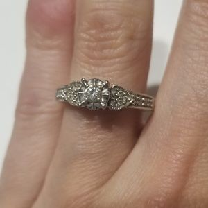 .20 Carat Zales Promise Ring Size 4.5